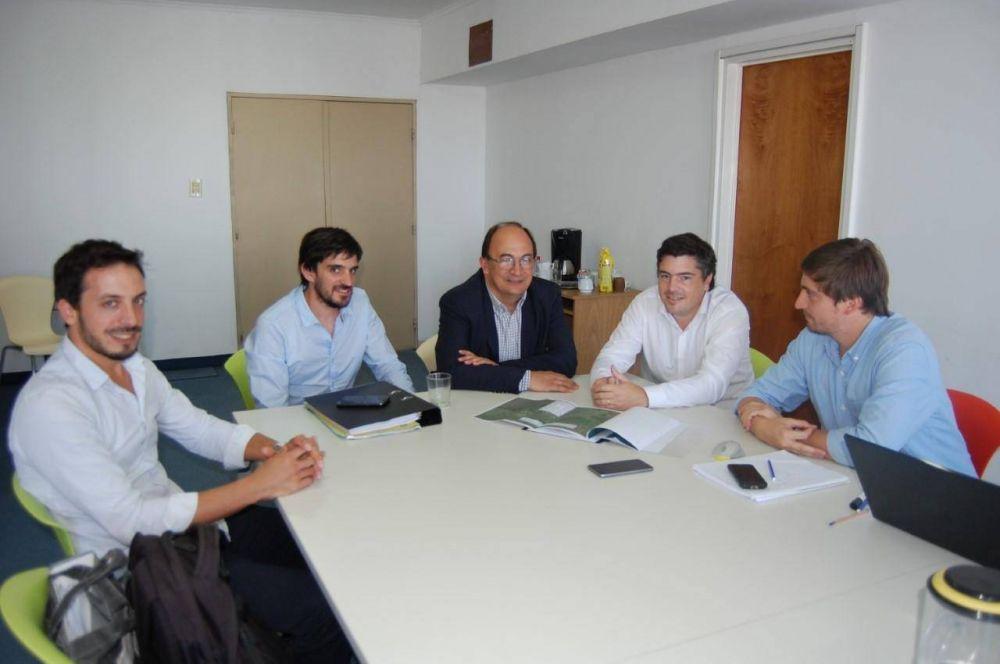 Salomón y funcionarios gestionaron en La Plata