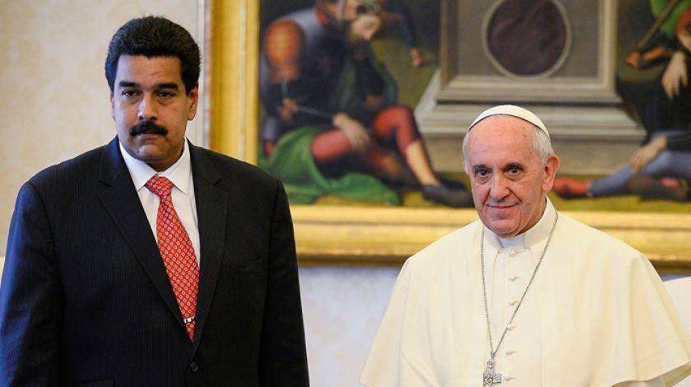 Venezuela: Maduro presiona al Papa Francisco y le pide una respuesta
