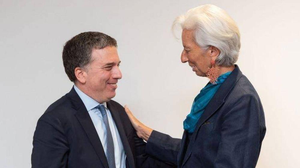 Una nueva misión del FMI llega a la Argentina: revisarán metas para desembolsar otros USD 10 mil millones