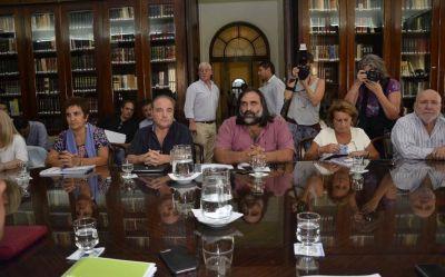 A menos de un mes del inicio de clases, expecativas por la reunión paritaria del gobierno con los docentes