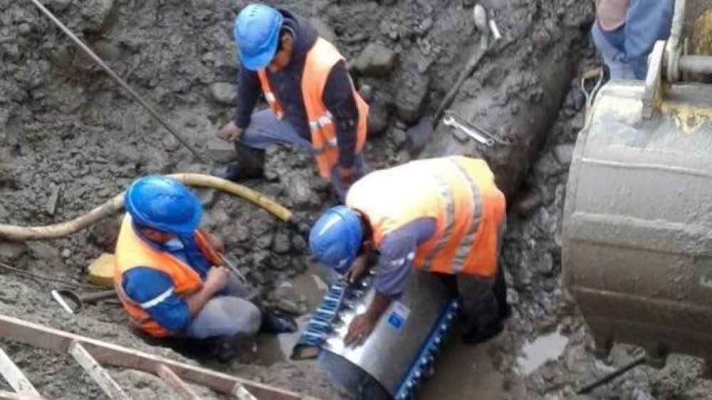 Barrios afectados por rotura de un acueducto