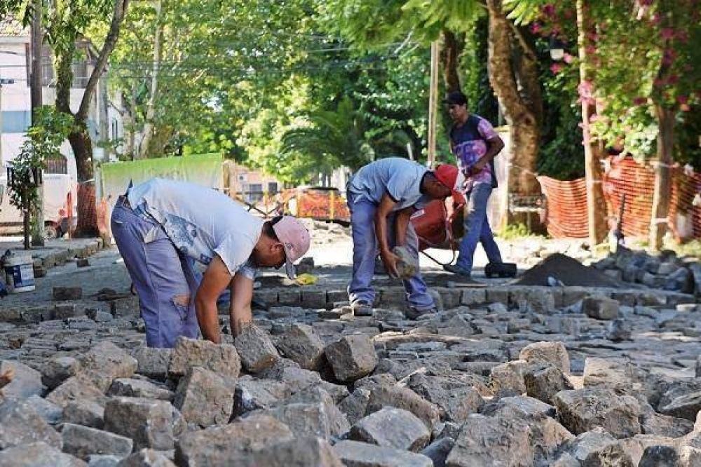 San Fernando repara y pone en valor el adoquinado de la calle San Ginés