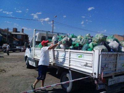 """Limpieza por """"Las 24"""": se recolectaron 2200 kilos de residuos"""