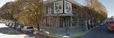 Cheques faltantes en la UPC: renunció el abogado de Medina