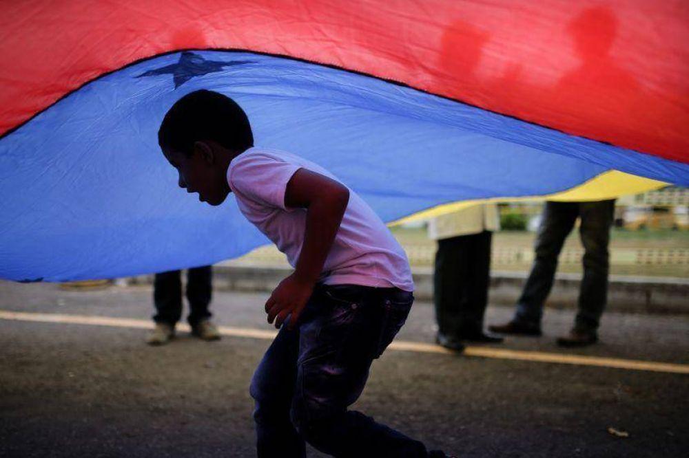 Los funcionarios venezolanos en el Vaticano buscan una salida pacífica