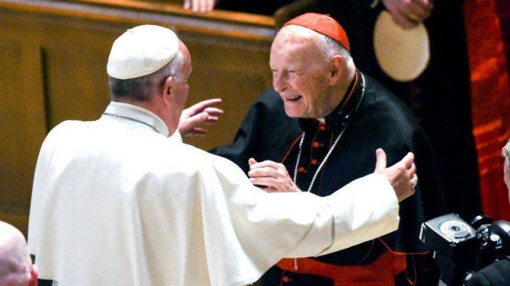 Francisco expulsó del sacerdocio a excardenal de 88 años por abusos sexuales a menores
