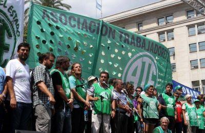 ATE marcha a Educación para pedir por la reincorporación de despedidos y pago de salarios adeudados