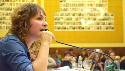 """Santoro: """"Mourelle tiene un ensañamiento con los docentes, las mujeres y los municipales"""""""