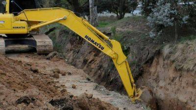 Se firmó el contrato para construcción de un conducto de desagües pluviales