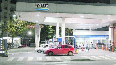 Se derrumbó 24% el consumo de nafta premium en diciembre