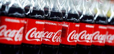 La embotelladora de Coca-Cola gana 909 millones y anuncia un dividendo de 1,06 euros