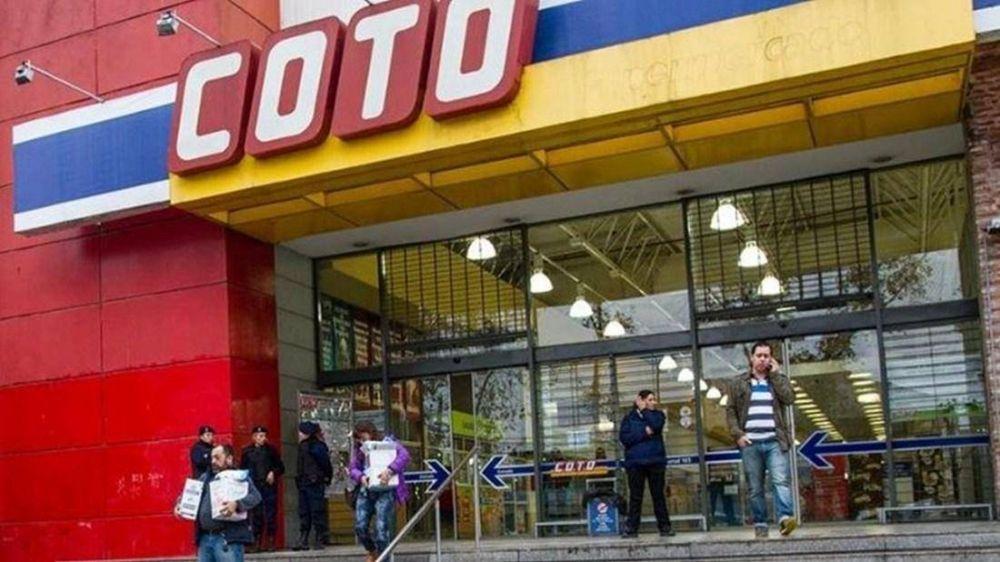 Custodios anuncian medida de fuerza en COTO contra cooperativa de seguridad