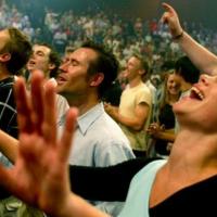 Según un nuevo estudio, las personas religiosas son más felices