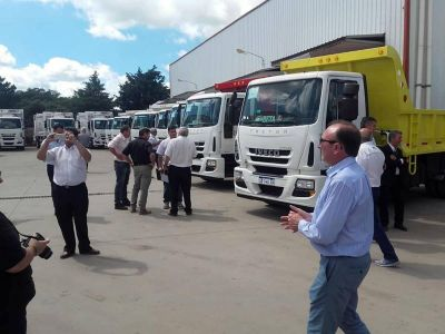 Ataliva recibió un camión compactador de residuos