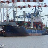 Un carguero de Brasil, la promesa de reactivación en el Puerto La Plata