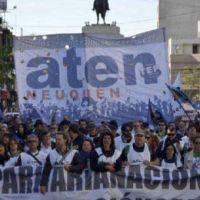 Actualizaciones trimestrales por inflación, la fórmula de Neuquén para sellar la paz con los docentes