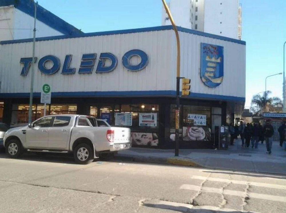 Miles de empleos en riesgo en supermercados Toledo
