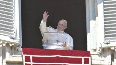 El Papa en el Ángelus advierte del peligro de la idolatría, substituyendo a Dios por un ídolo