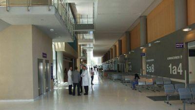 """""""El hospital es un gigante que está durmiendo"""", lamentó Saavedra"""
