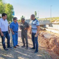 Molina recorrió las obras de Villa Luján junto a Toty Flores