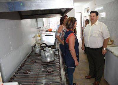 Nedela encabezó la inauguración de la cocina del Centro Educativo Complementario N° 801