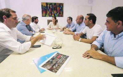Vidal penetra La Matanza y contiene el reclamo de los intendentes PRO