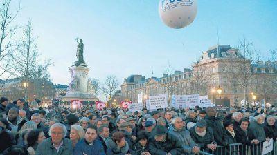 Francia marcha contra el antisemitismo