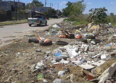 Berazategui: escrache y sanción por arrojar basura