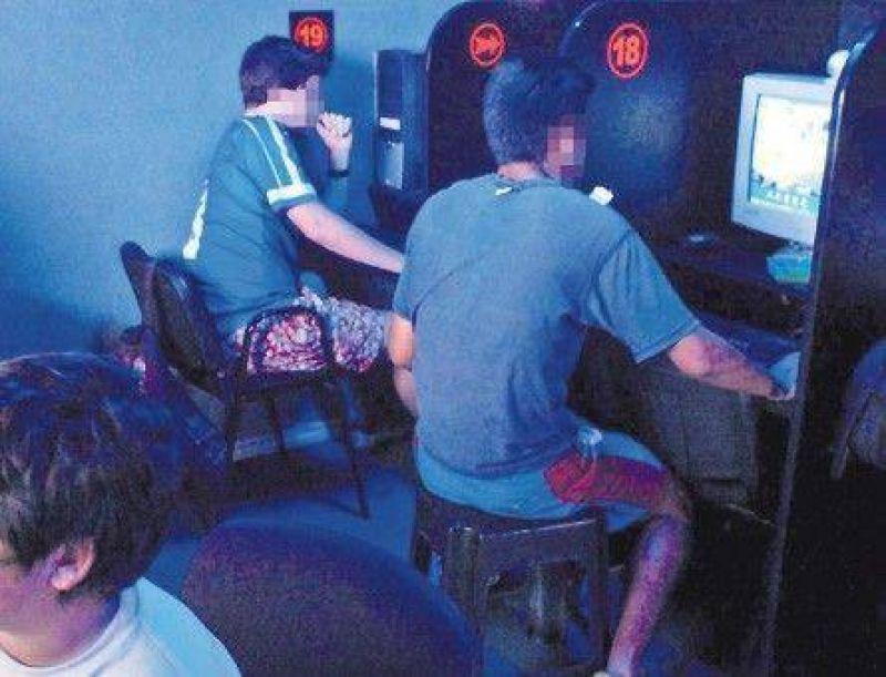 Buscan penar con la cárcel el ciberacoso