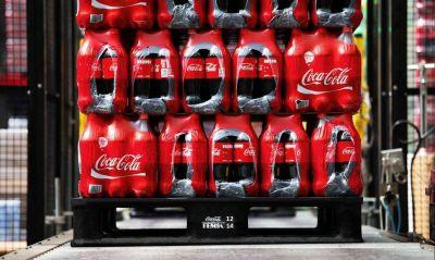 La deuda por la fórmula secreta de Coca Cola, una bomba de tiempo para Sica