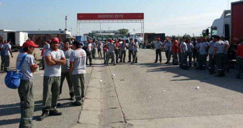Camioneros dice que el preventivo de crisis es falso y suba la temperatura del conflicto en Coca Cola