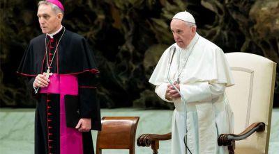 El Papa Francisco pide orar con respeto: No se puede rezar como papagayos