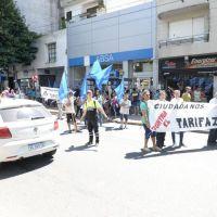 Vecinos y políticos reclamaron en ABSA por las tarifas y el servicio