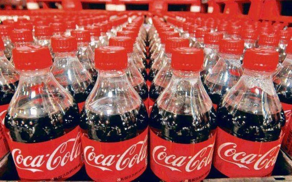 Coca-Cola: se define hoy si el Gobierno otorga el plan de crisis