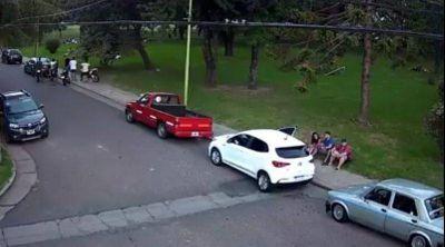 """Marco Colella: """"Abella hace oídos sordos al reclamo de los vecinos del Campito de Siderca"""""""