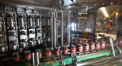 """Coca-Cola planea """"enlatar"""" en Córdoba casi 30 millones de litros durante 2019"""