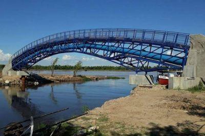 """Finalizaron la obra del """"puente curvo"""" del Acueducto Reconquista en el Puerto"""