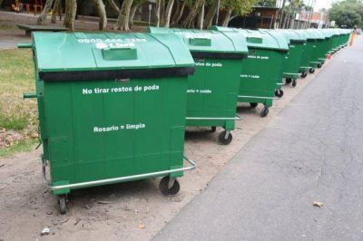 Retiran todos los contenedores de residuos de plástico