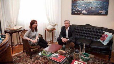 Cristina Kirchner juega como candidata sin decirlo: efecto Lavagna y presión a los gobernadores