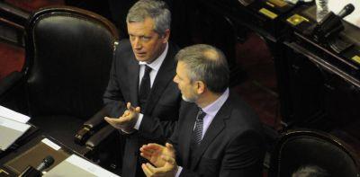 Al final, Emilio Monzó se resigna a seguir hasta diciembre como presidente de la Cámara baja