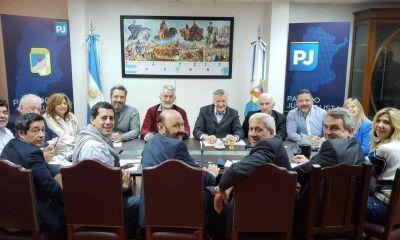 La mesa política del PJ afina su plan electoral y suma al armador de CFK