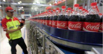 Comenzaron los despidos en FEMSA y crece el temor de que el ajuste llegue a otras plantas de Coca Cola