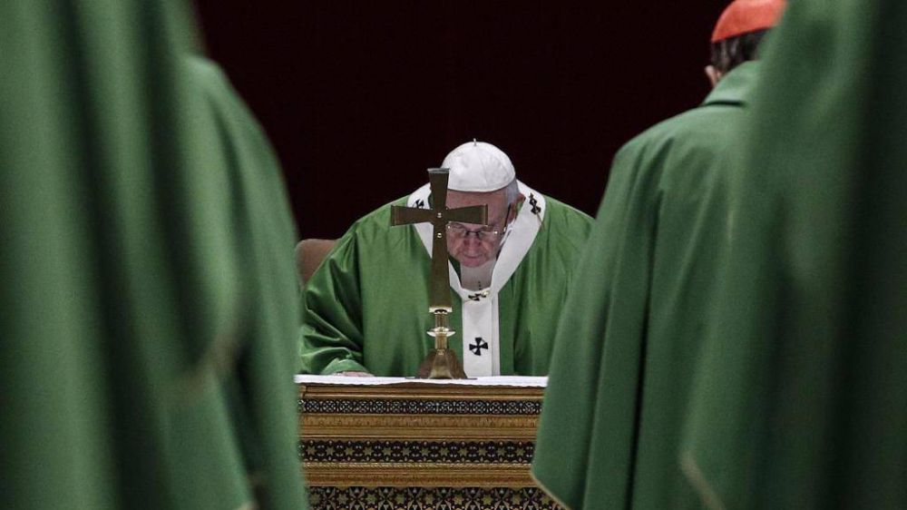 El Papa, la Iglesia y el mundo de la parte de los pequeños