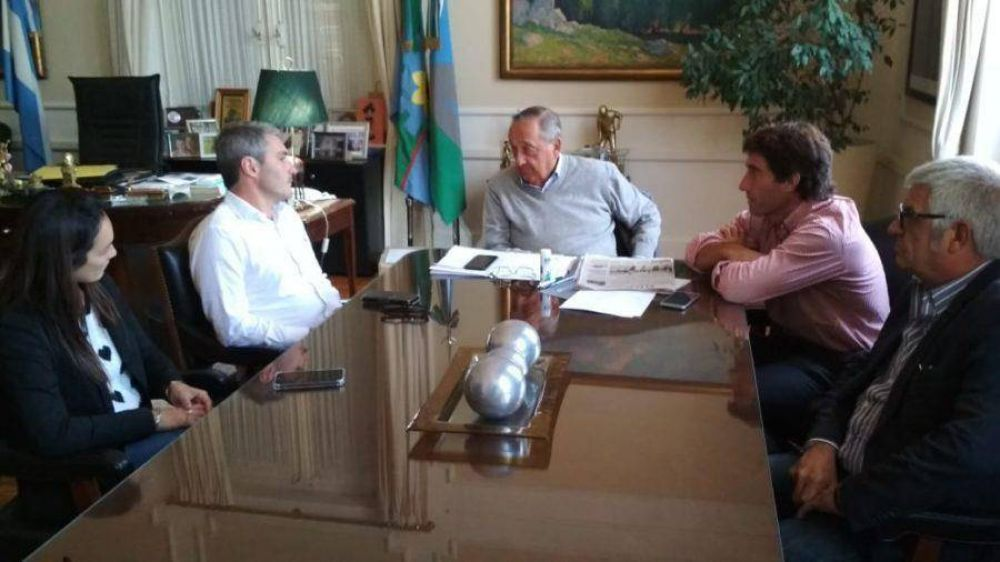El equipo de Gonzalo Diez se reunió en Tandil con el intendente Lunghi