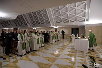 """""""No esperes a convertirte"""", invita el Papa en la Misa de Santa Marta"""