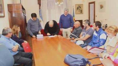 Más instituciones se regularizan en la ciudad de la mano de la gestión López
