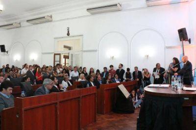 Como Vidal, intendentes oficialistas también le apuntaron al peronismo