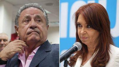 Cristina quiere que Duhalde la ayude a unificar el PJ en la provincia de Buenos Aires