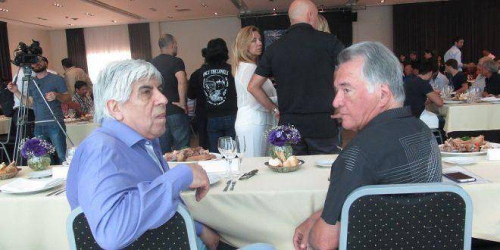 Dos popes sindicales se definieron: Hugo Moyano con Cristina, Barrionuevo con Lavagna