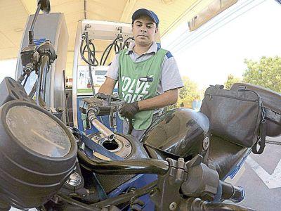 YPF y Shell aumentaron los precios de los combustibles